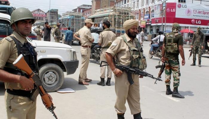 स्वत:ला काश्मीरचा पोलीस म्हणवणाऱ्या व्यक्तीचा व्हिडिओ वायरल