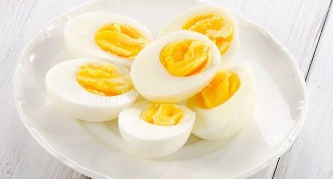 अंड्याचा 'हा' भाग ब्रेस्ट कॅन्सरचा धोका कमी करायला फायदेशीर !