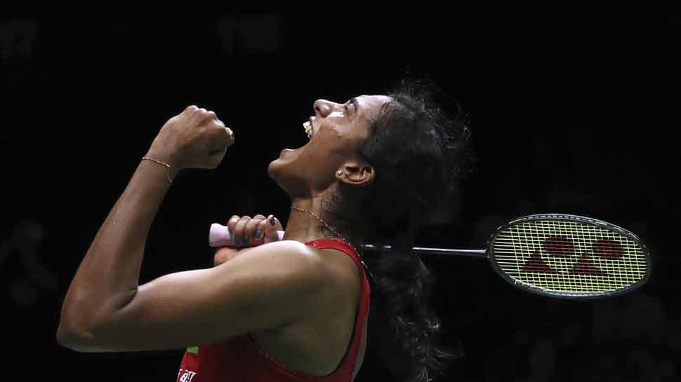 पी.व्ही.सिंधूनं इतिहास घडवला! वर्ल्ड टूर जिंकणारी पहिली भारतीय