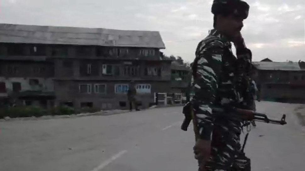 काश्मीरमध्ये पाकिस्तानकडून गोळीबार, स्फोटात मेजरसह जवान शहीद