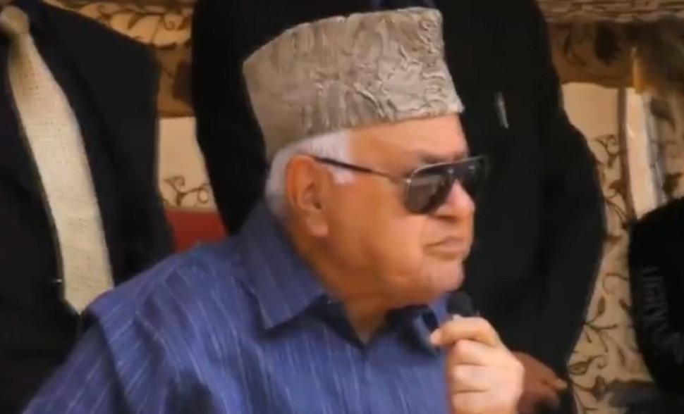 'कलम ३७० रद्द केले तर काश्मीरमध्ये तुमचा झेंडा कोण फडकवतो हेच बघतो'