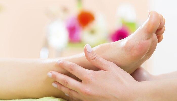 हात-पाय सुन्न होत आहेत? गंभीर आजाराची लक्षणे...