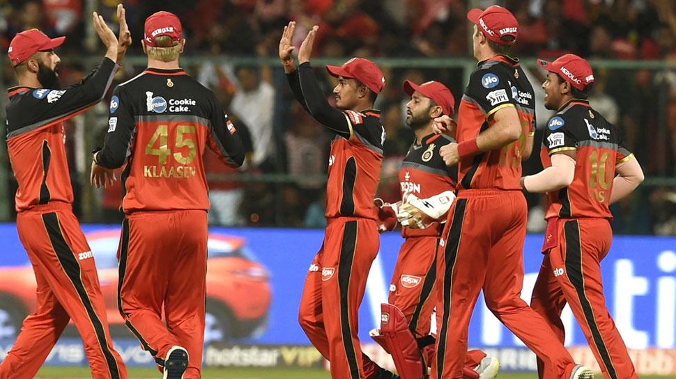 IPL 2019 : हॉस्पिटलमधील वडिलांची काळजी घेत, क्रिकेटर पार पाडतोय मैदानातलीही भूमिका