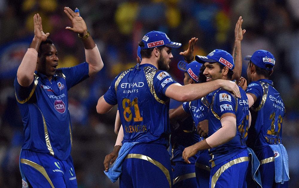 IPL 2019: मुंबईकडून सर्वाधिक रन, तरी सेहवाग या खेळाडूवर नाराज