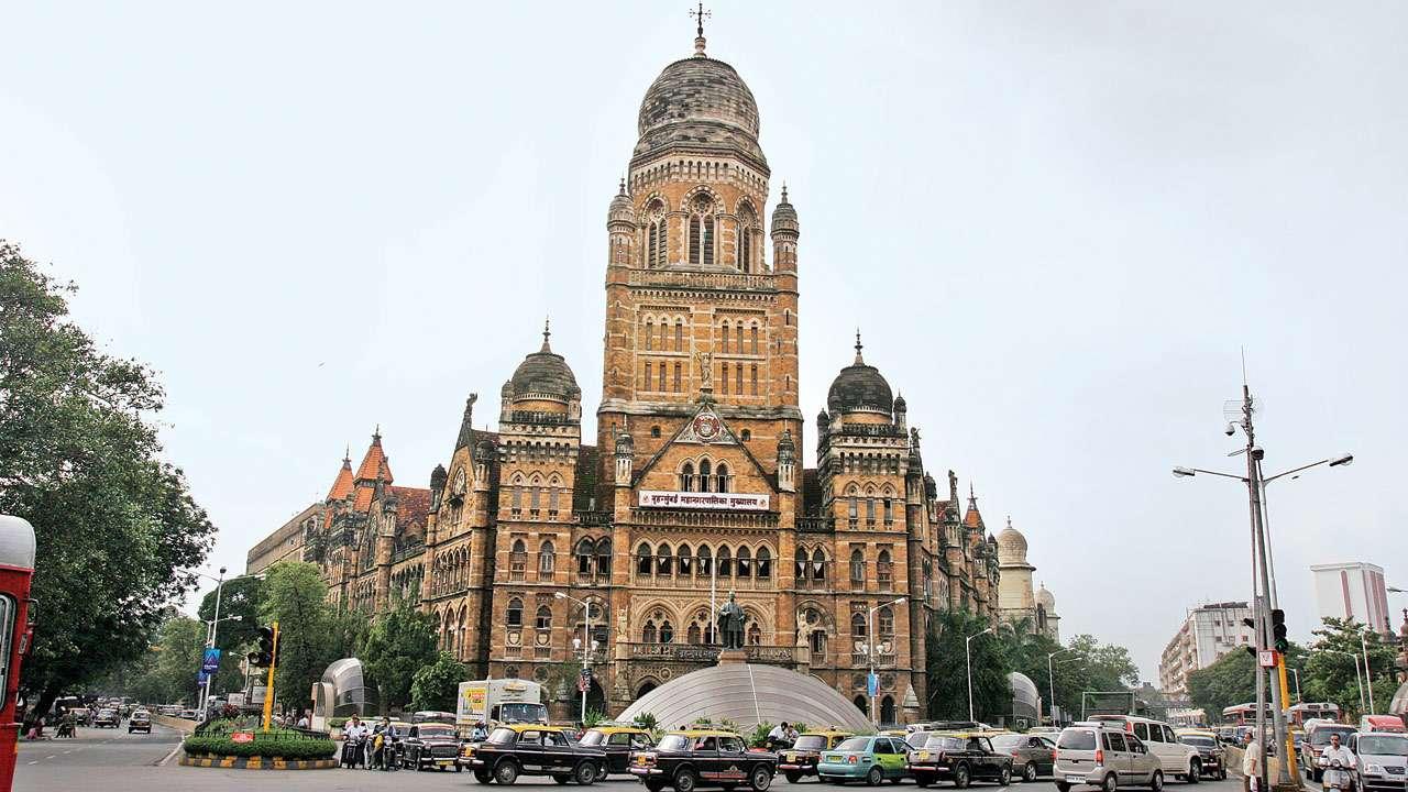 राज्यात भीषण पाणीटंचाई, मुंबईत मात्र पाण्याची नासाडी