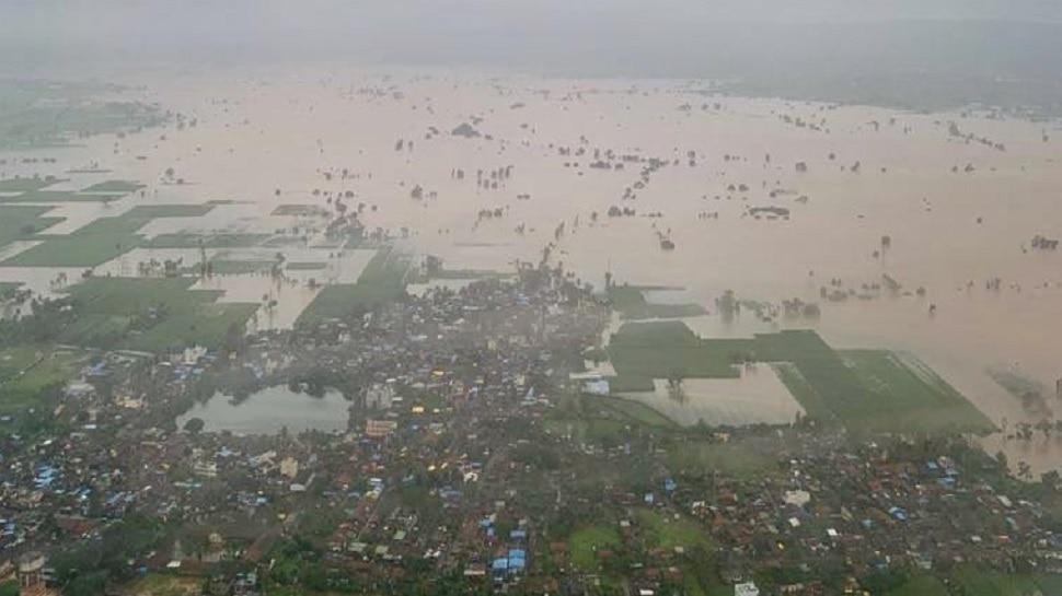 सरकारचा अजब 'जीआर', दोन दिवस पाण्यात असाल तर मदत!