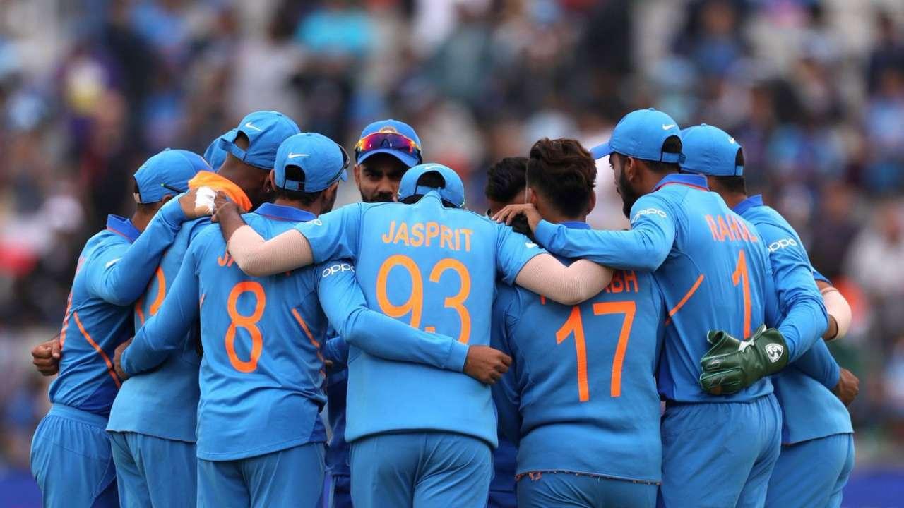 टीम इंडियाच्या मुख्य प्रशिक्षकपदी रवी शास्त्रींची पुन्हा निवड