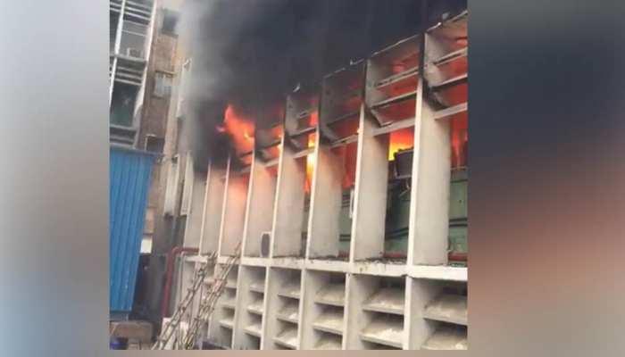 'एम्स' रुग्णालयाला आग, अग्निशमन दलाच्या ३४ गाड्या घटनास्थळी दाखल
