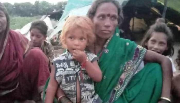 भंगार वेचून उदरनिर्वाह करणारी अकरा मुलांची आई सतराव्यांदा गर्भवती