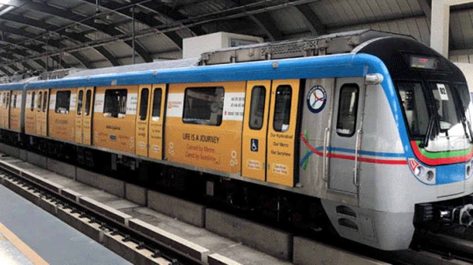 नवी मुंबईत मेट्रोची पहिली चाचणी, मुख्यमंत्र्यांच्या उपस्थित होणार तालीम