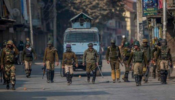 काश्मीरमधील जनजीवन पूर्वपदावर आणा; सर्वोच्च न्यायालयाचे सरकारला निर्देश