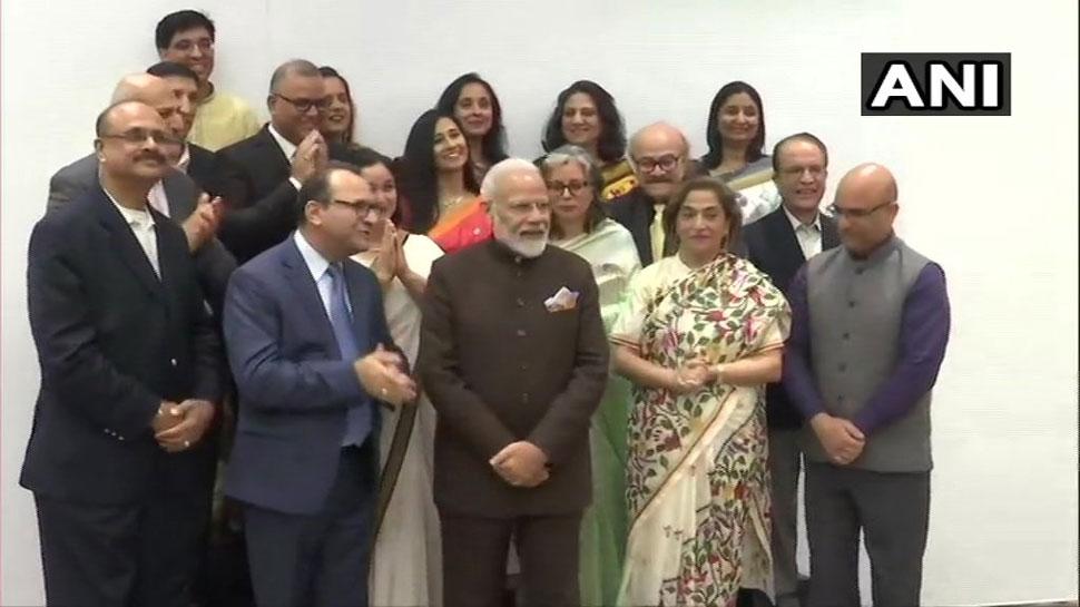 काश्मीरी पंडीतांसोबत पंतप्रधान मोदींनी म्हटला संस्कृत श्लोक (व्हिडीओ)