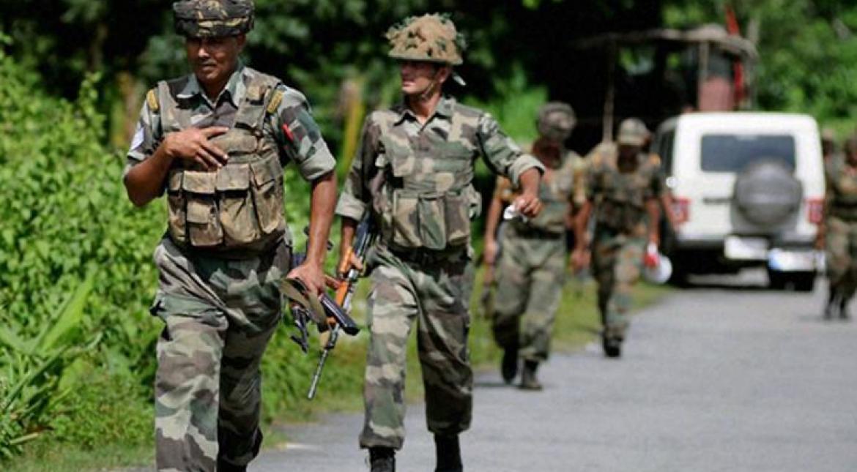 दहशतवाद्यांकडून सैन्यदलाच्या ताफ्यावर ग्रेनेड हल्ला