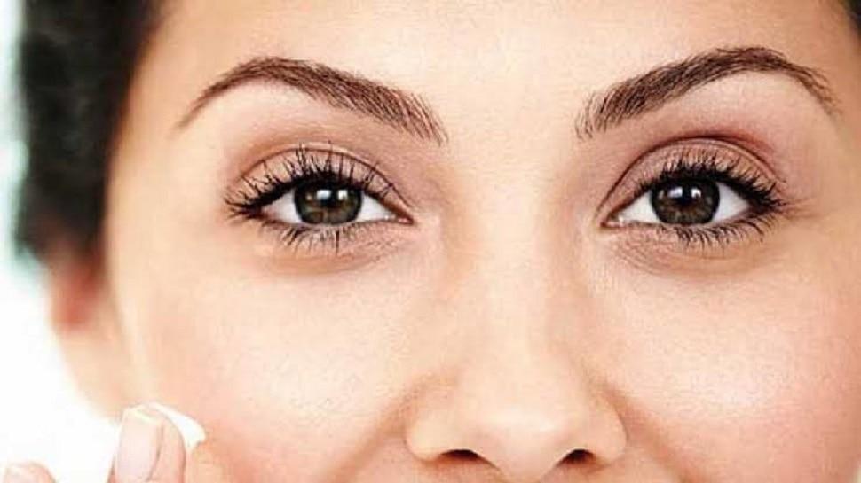 डोळ्यांखालील काळी वर्तुळं दूर करण्यासाठी घरगुती उपाय