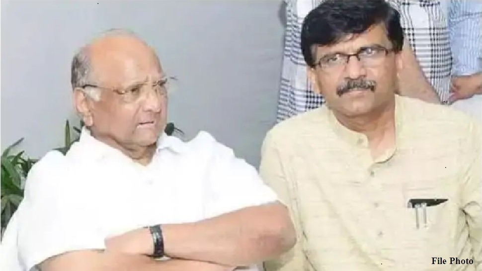 संजय राऊत आणि काँग्रेसचे प्रमुख नेते शरद पवारांच्या घरी