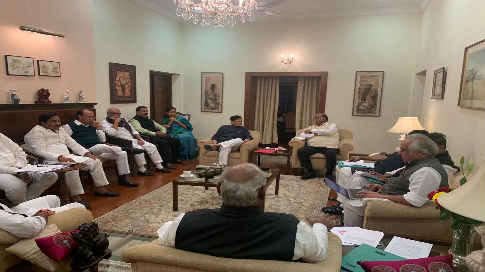शरद पवारांच्या घरी काँग्रेस-राष्ट्रवादीच्या नेत्यांची बैठक