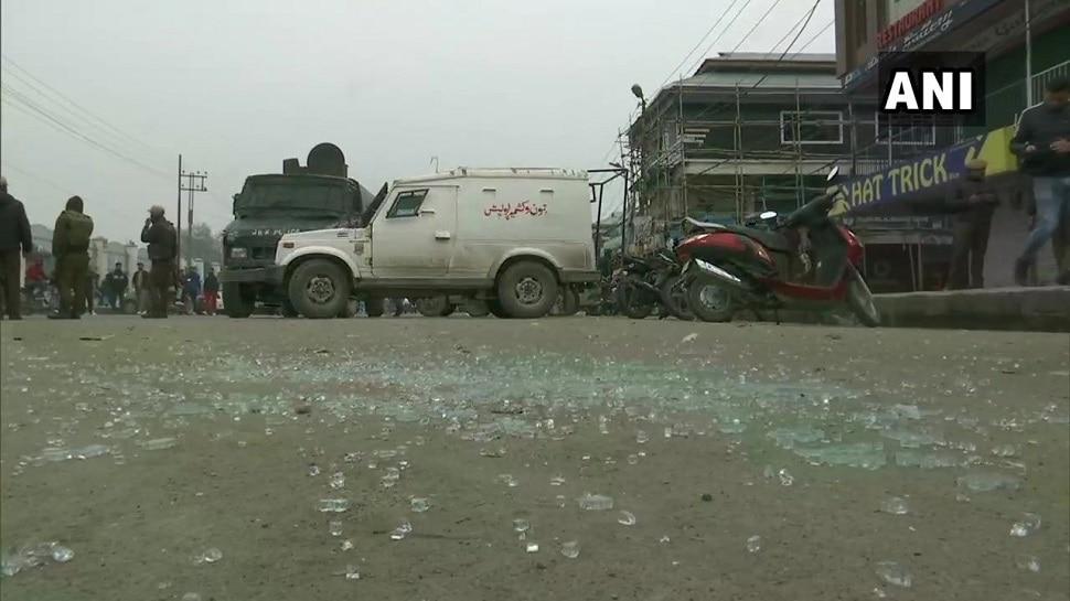 काश्मीर यूनिव्हर्सिटीबाहेर ग्रेनेड हल्ला; २ जखमी
