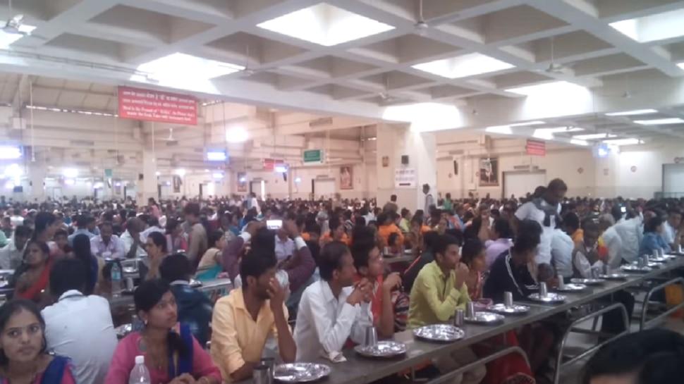शिर्डी बंदने भक्तांचे हाल, मदतीला धावलं साईंचं प्रसादालय