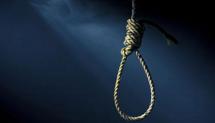 पतीच्या जाचाला कंटाळून गायिकेची आत्महत्या