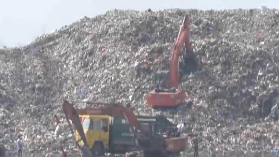 डम्पिंग ग्राउंडमधल्या कचऱ्याच्या दुर्गंधीने कल्याणकर हैराण