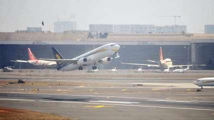 निसर्ग चक्रीवादळ : हवाई वाहतुकीवरही परिणाम; मुंबईतील अनेक उड्डाणं रद्द