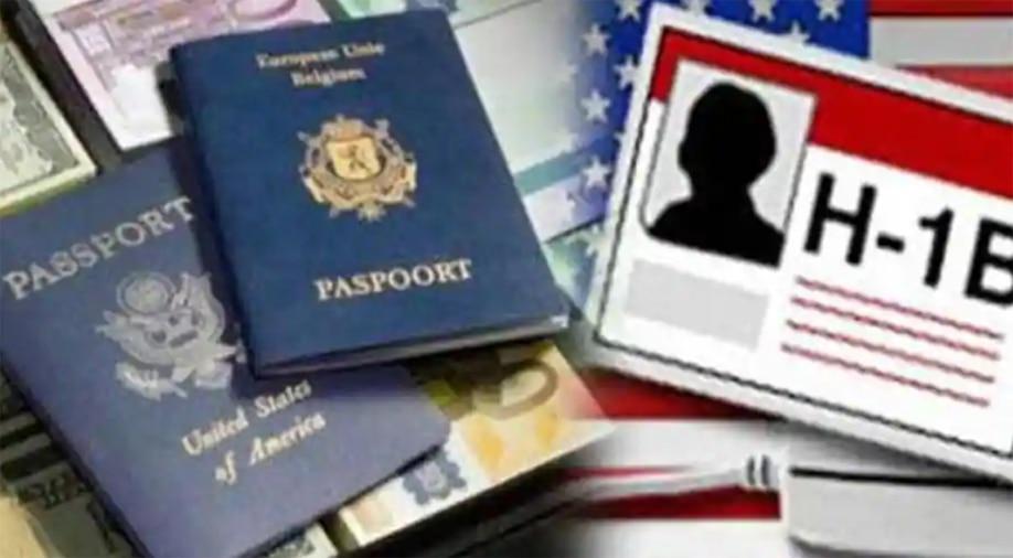 अमेरिकेने व्हिसा निर्बंधात दिली सूट,  H-1B व्हिसाधारकांना असे मिळतील फायदे