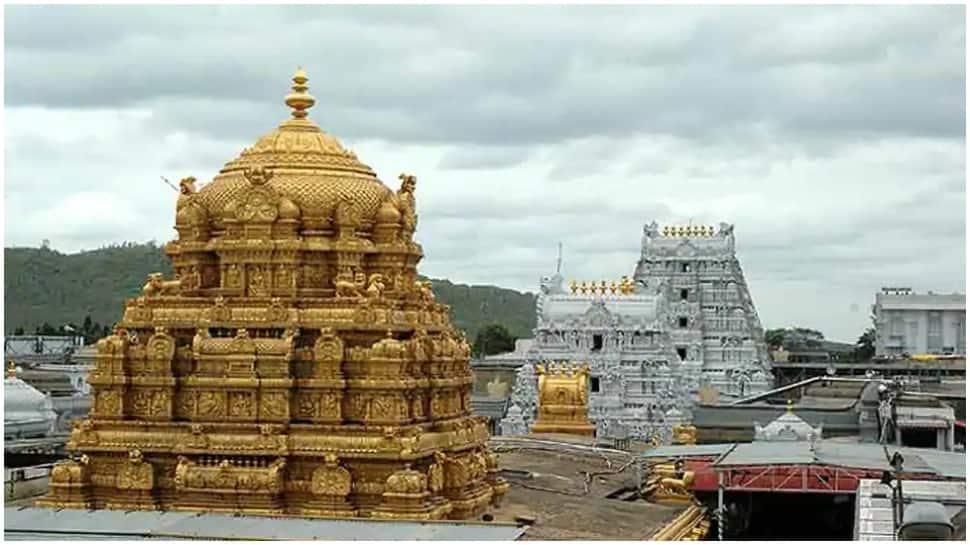 मंदिरे उघडण्यासाठी वारकरी सांप्रदायाच्या आंदोलनाला  प्रकाश आंबेडकरांचा पाठिंबा