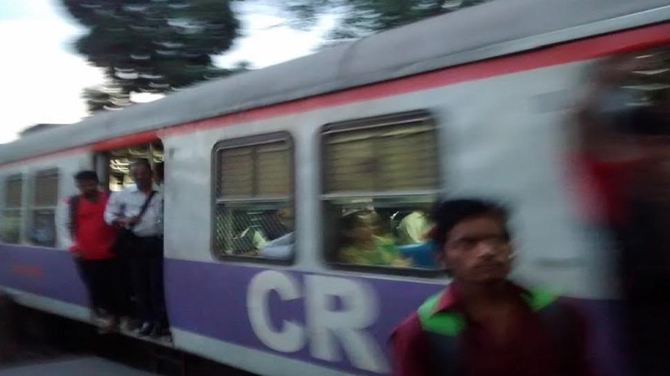 'या' विद्यार्थ्यांना मुंबईत लोकलने प्रवास करण्याची मुभा