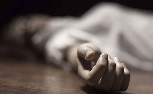 आणखी एका अभिनेत्रीची आत्महत्या; तिघांना अटक