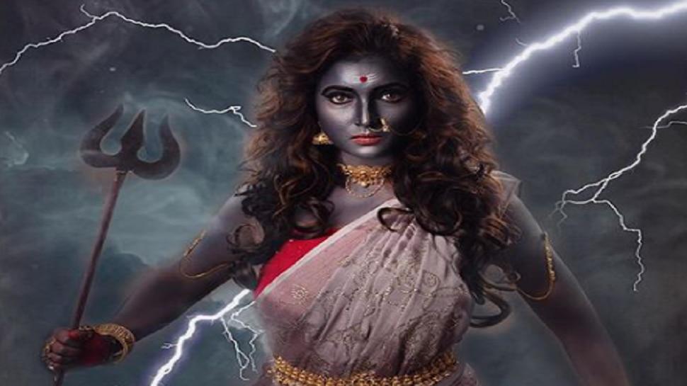 प्रत्येक स्त्रीमध्ये आहे 'दुर्गा'; लक्षवेधी रुपातील 'या' अभिनेत्रीला ओळखलं का?