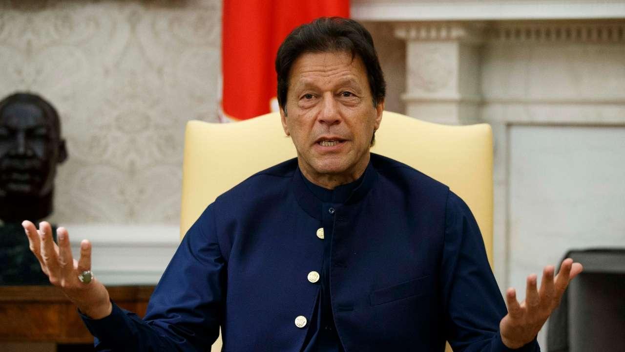 पाकिस्तानात इम्रान सरकारच्या शेवटच्या घटका, इम्रान खान यांची खूर्ची डगमळीत