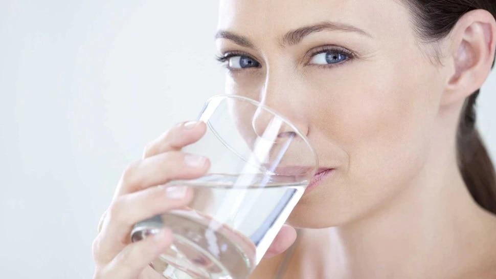 drink Water: आंघोळ केल्यानंतर पाणी पिणे फायदेशीर, हे आजार पळून जातील