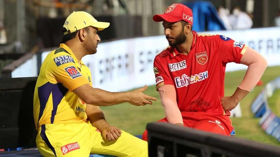 IPL 2021 : पंजाब किंग्ज विरुद्ध चेन्नई सुपर किंग्ज सामन्यानंतर एमएस धोनीकडून शाहरुख खानला टिप्स, फोटो व्हायरल