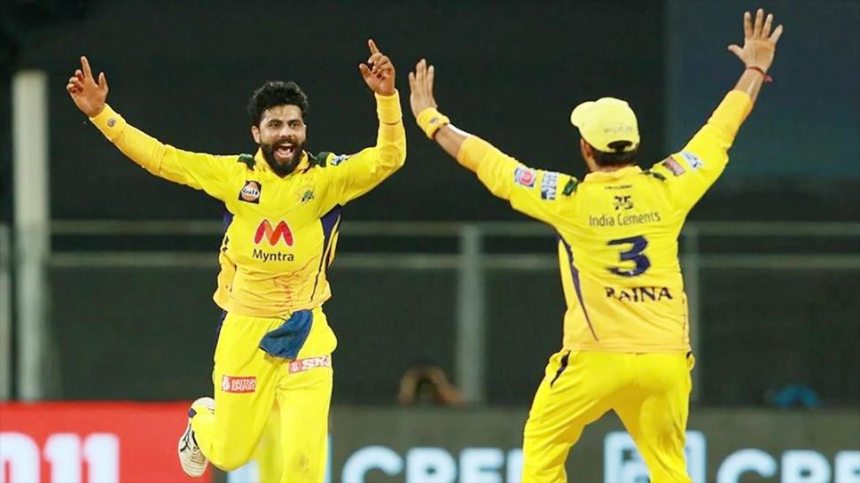 IPL 2021 : 'बॉल सूखा है घूमेगा', असे धोनीने बोलताच जडेजाकडून बटलर क्लिन बोल्ड. Viral video