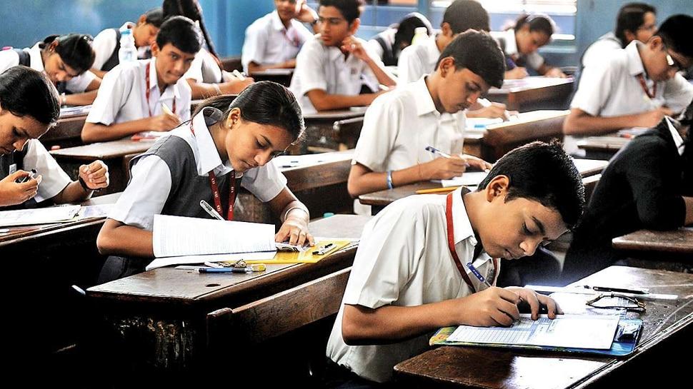 SSC Exam   न्यायालयाने ताशेरे ओढूनही राज्य सरकार परीक्षा न घेण्याच्या निर्णयावर ठाम