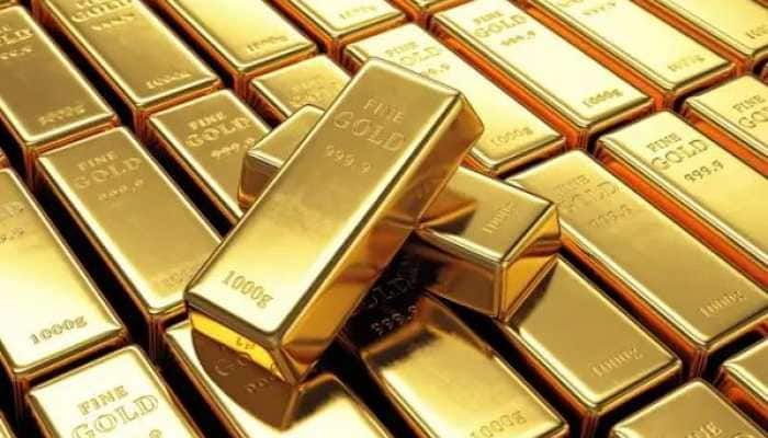 Gold Rate : सोन्याचा भाव इतक्या रुपयांनी घसरला तर चांदीचा भाव वाढला