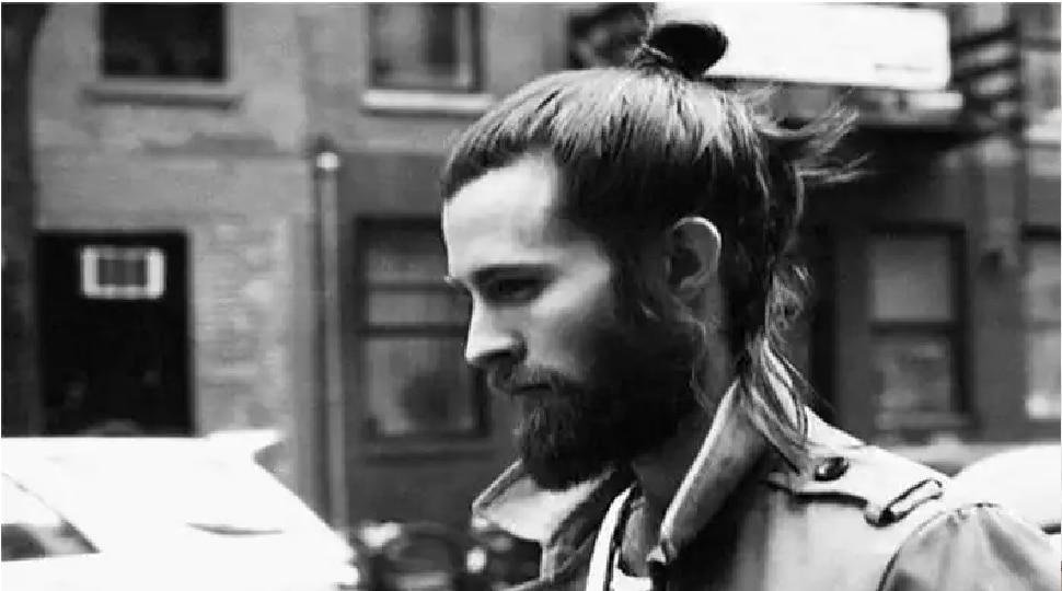 दाढी वाढवलीये? मग तुम्हाला कोरोनाचा अधिक असू शकतो कारण...