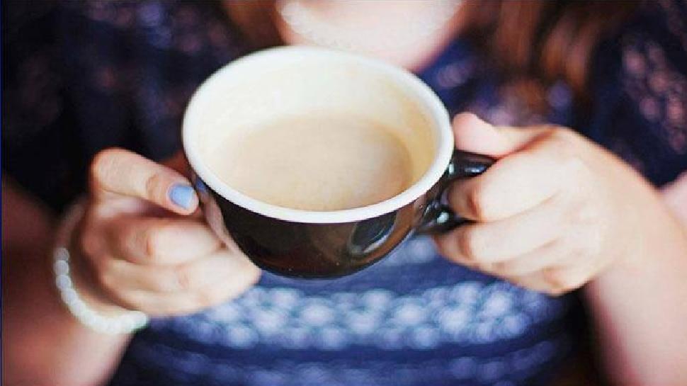 सकाळी उठल्याबरोबर उपाशी पोटी चहाचा घोट घेताय तर सावधान...