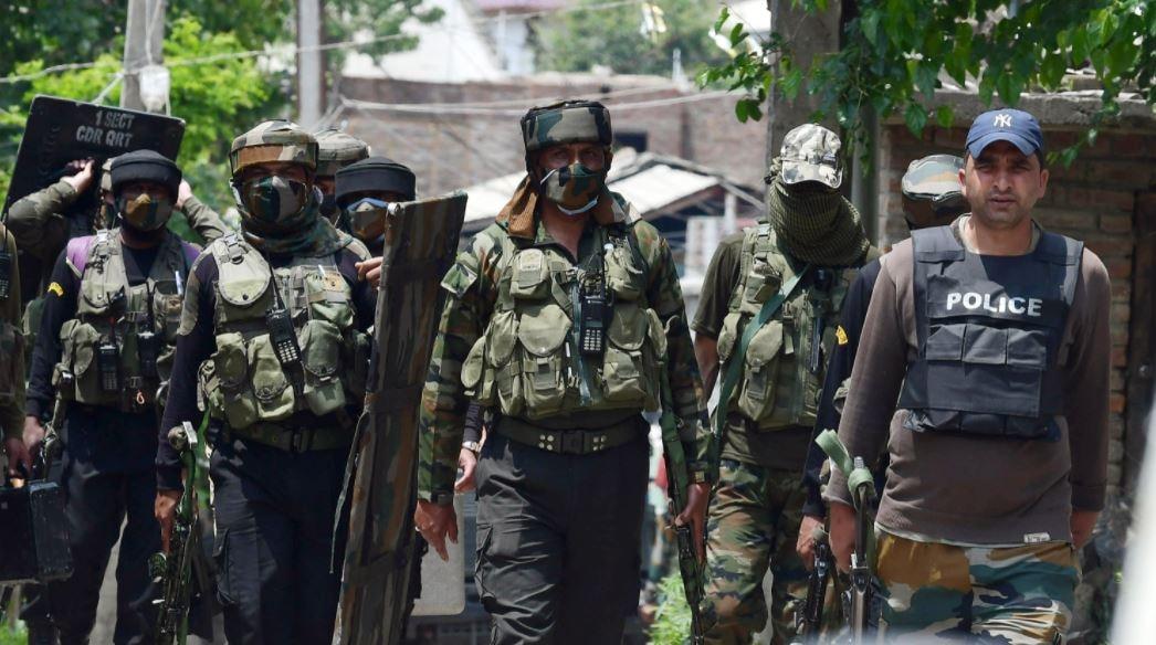 सुरक्षा दलाची मोठी कारवाई, लष्कर ए तोयबाच्या कमांडरसह 3 दहशतवाद्यांचा खात्मा