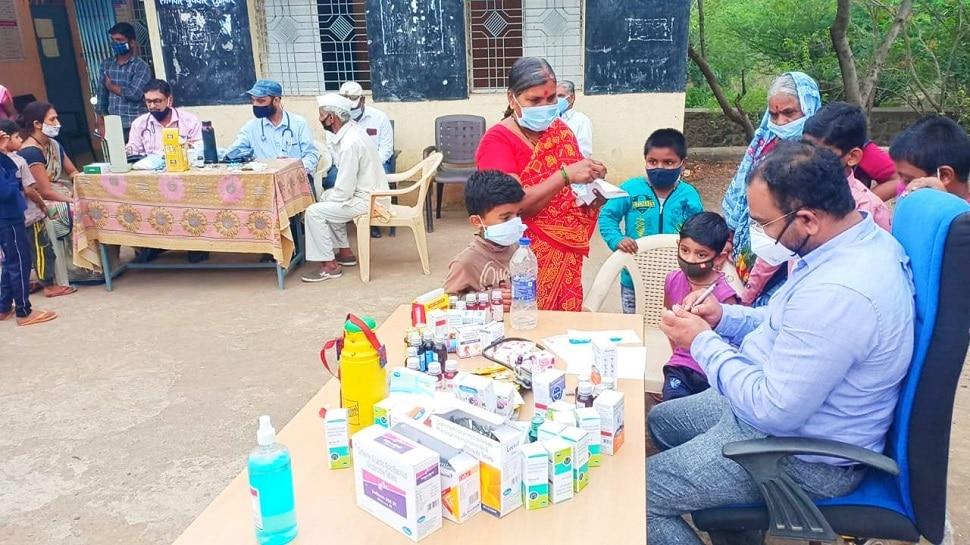 Special Report   अतिदुर्गम भागातही ते 38 डॉक्टर देताहेत विनामूल्य आरोग्यसेवा