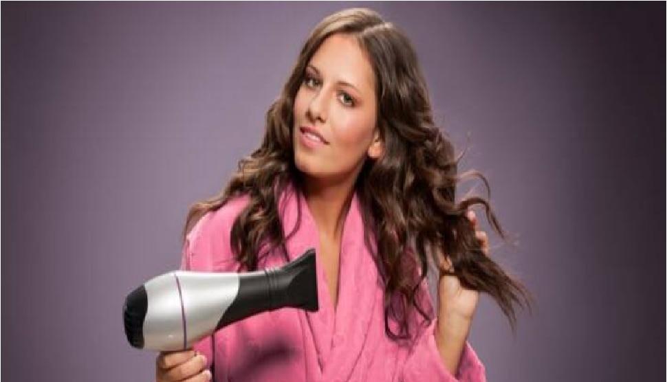 थांबा! ओले केस सुकवण्यासाठी हेअर ड्रायरचा वापर करू नका...