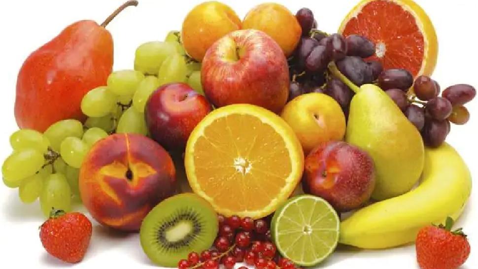 अनेक आजारांना 4 हात लांब ठेवतील ही फळं