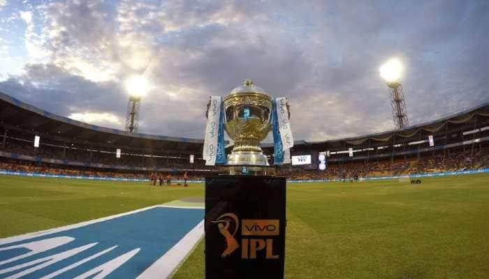 मोठी बातमी : IPL मध्ये पुन्हा कोरोनाचा शिरकाव, हा खेळाडू कोरोना पॉझिटिव्ह