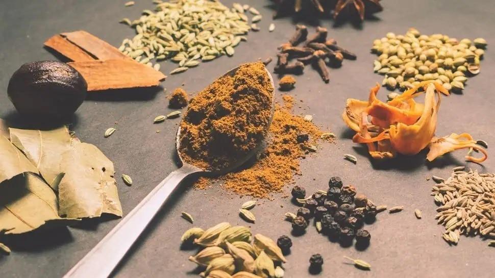 स्वयंपाकघरात या गोष्टी संपल्या तर लगेच भरून ठेवा! नाहीतर 'लक्ष्मी'ही रुसेल