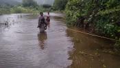 पवारवस्तीच्या ग्रामस्थांचा पाण्यातूनच जीवघेणा प्रवास