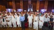 मुख्यमंत्री ठाकरे : नवी जबाबदारी, नवे कपडे, नवी स्टाईल!