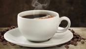 तुम्ही किती कप चहा-कॉफी पिताय? अतिरीक्त कॅफेनचं सेवन डोळ्यांसाठी धोकादायक!