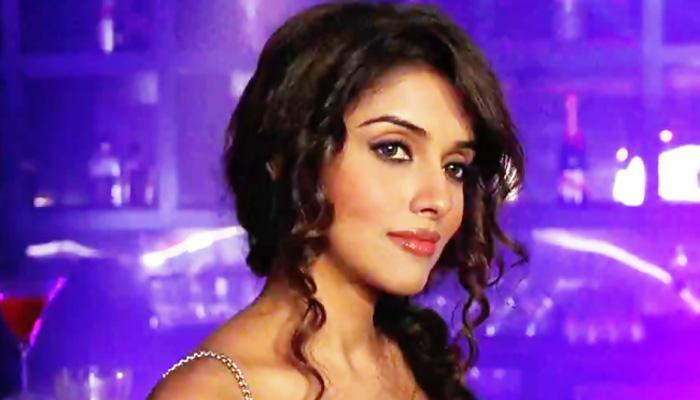 अभिनेत्री आसिन लवकरच चढणार बोहल्यावर, अक्षय कुमारने जमवलं लग्न!
