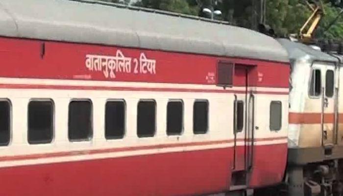 मडगाव ते दिल्ली राजधानी एक्सप्रेस कोकण रेल्वे मार्गावर धावणार