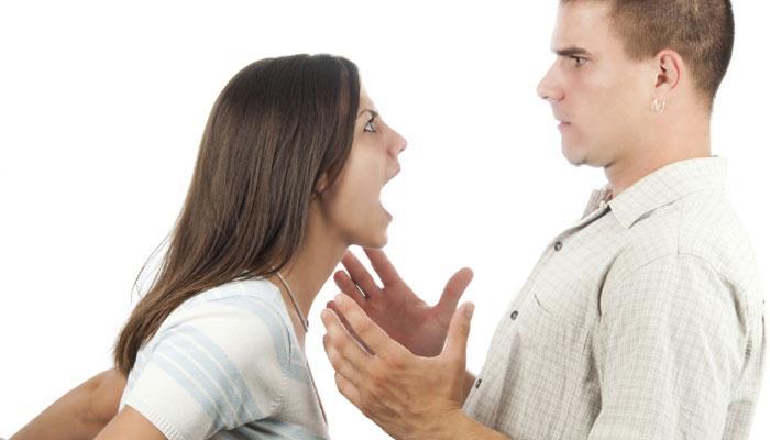 पतीच्या या ५ गोष्टींमुळे चिडते पत्नी